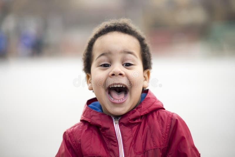 Portret piękna wielorasowa chłopiec obraz stock