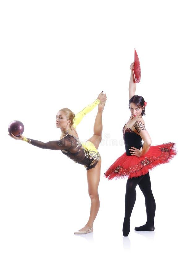 Portret piękni rhytmic gimnastyczki i baleriny przedstawienia elementy fotografia royalty free