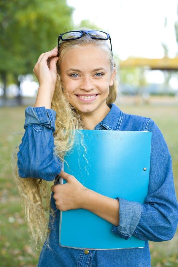 Portret piękny dziewczyna uczeń fotografia stock