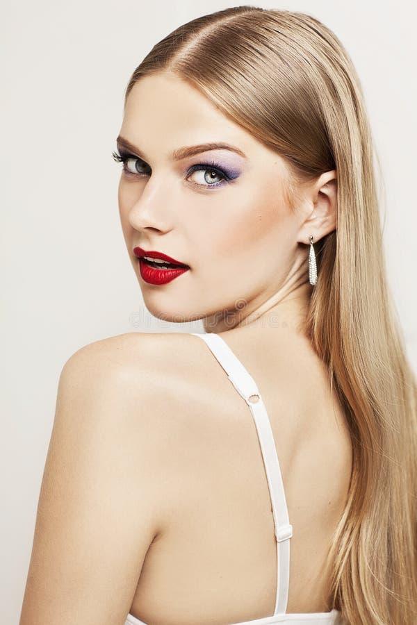 Portret piękny model z zdziwioną twarzą zdjęcia royalty free