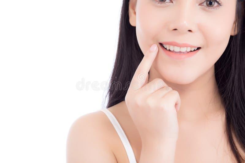 Portret pi?knej kobiety azjatykci makeup kosmetyk, dziewczyny r?ki dotyka wargi, usta i u?miech atrakcyjni, obraz stock