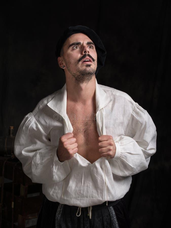 Portret poeta Mężczyzna w białej koszula i być ubranym kapelusz fotografia royalty free