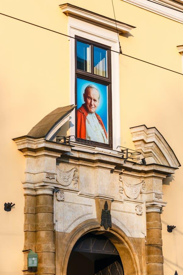 Portret Pope John Paul II w Pope ` s okno w Krakow, Polska zdjęcia stock