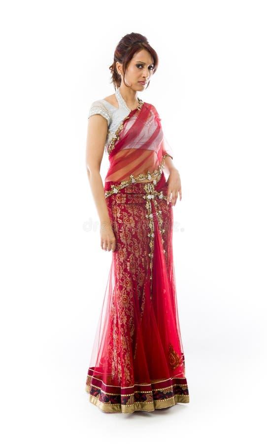 Download Portret Poważna Młoda Indiańska Kobieta Obraz Stock - Obraz złożonej z niezrównoważenie, etnocentryzm: 41951761
