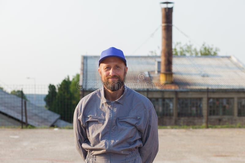 portret przemysłowy rękodzielniczy pracownik fabryczny zdjęcie stock