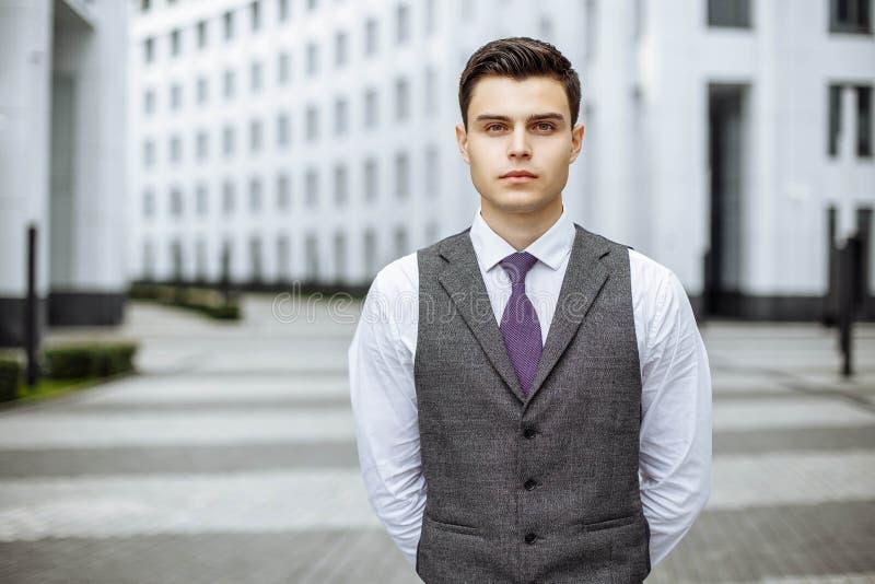 Portret przystojny biznesmen fotografia royalty free