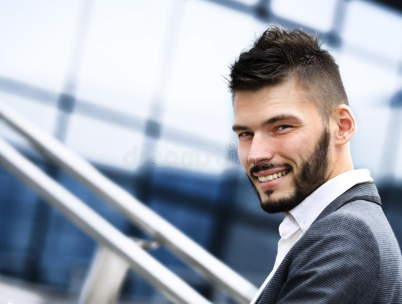Portret przystojny biznesmen obrazy stock