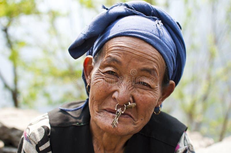 Portret Stara Nepalska Sherpa kobieta fotografia royalty free