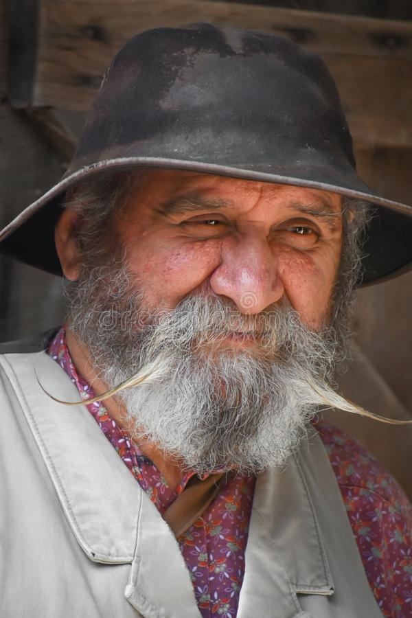 Portret starsza osoba mężczyzna z Handlebar wąsy zdjęcie stock