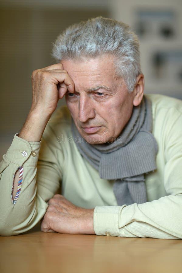 Portret starsze osoby ma zdjęcia stock