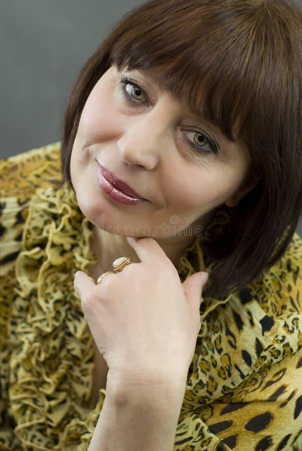 portret starzeć się piękne środkowe kobiety obrazy stock