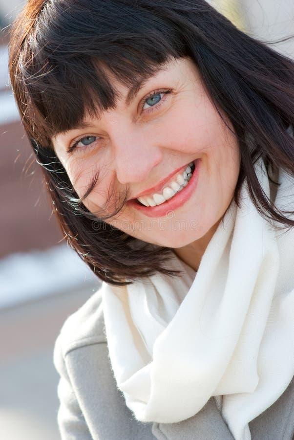 portret starzejąca się szczęśliwa kobieta zdjęcia stock