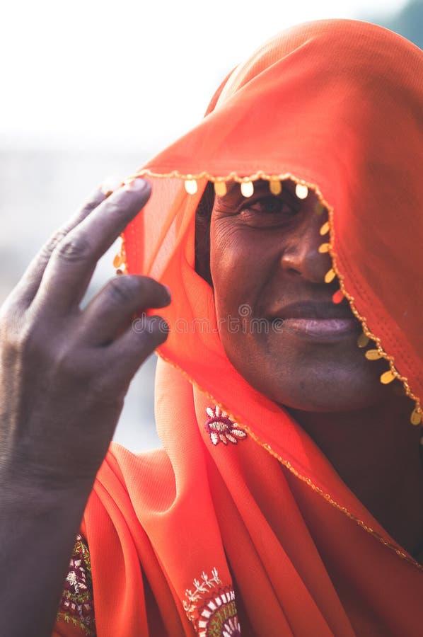 Portret strzelał Indiańska dama w tradycyjnej odzieży obrazy royalty free