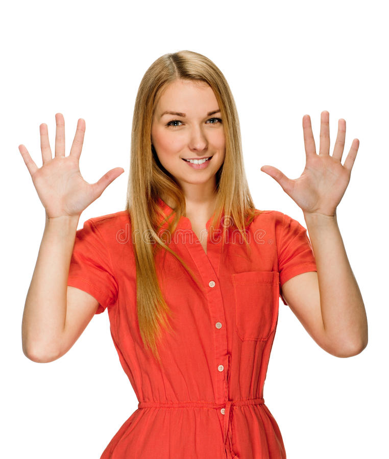 Portret szczęśliwa uśmiechnięta kobieta pokazuje dziesięć palców zdjęcia stock