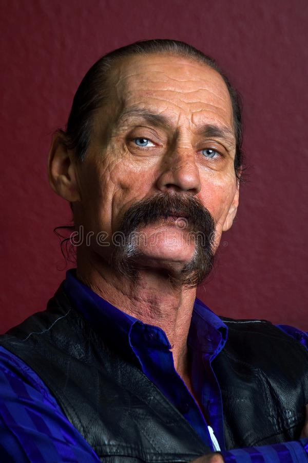 Portret Szorstki i Wybitny mężczyzna z Gęstym wąsy zdjęcia royalty free