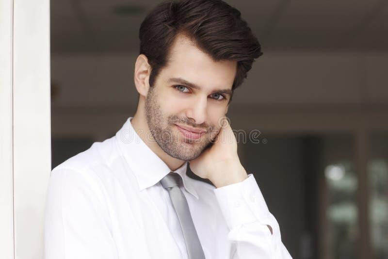 portret tło biznesmena bieli odizolowanych young zdjęcie royalty free