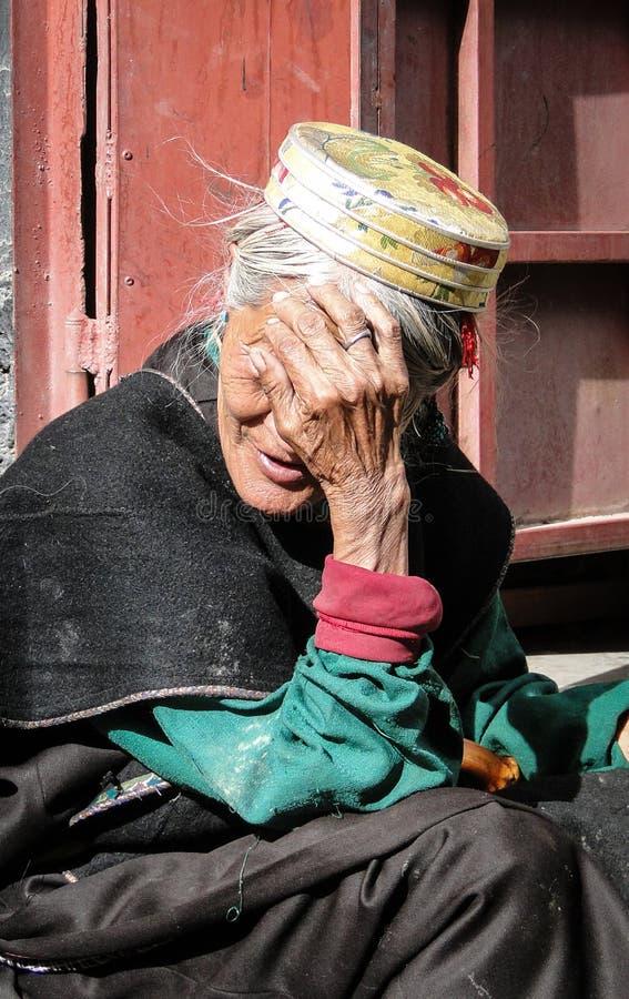 Portret Tybetańska kobieta w Lhasa, Tybet zdjęcia stock