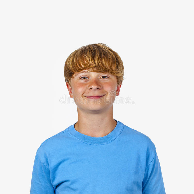 Download Portret Uśmiechnięta śliczna Chłopiec Z Blondynka Włosy Obraz Stock - Obraz złożonej z śliczny, dzieciak: 28974575