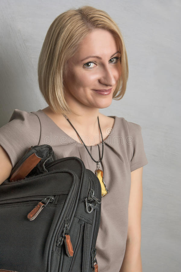 Portret uśmiechnięta blond dziewczyna fotografia stock