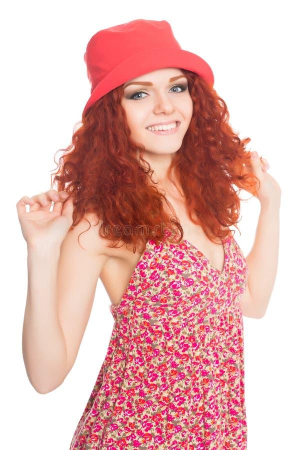 Portret uśmiechnięta dziewczyna z czerwonym włosy obrazy royalty free