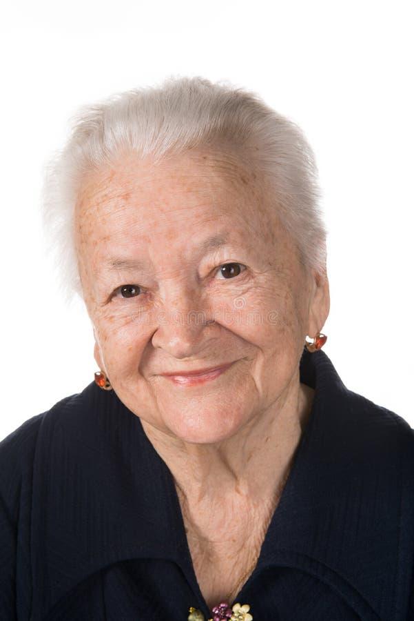 Portret uśmiechnięta stara kobieta zdjęcie stock