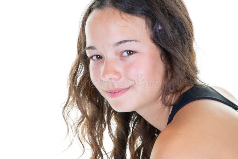 Portret uÅ›miechniÄ™tej mÅ'odej dziewczyny zdjęcie stock