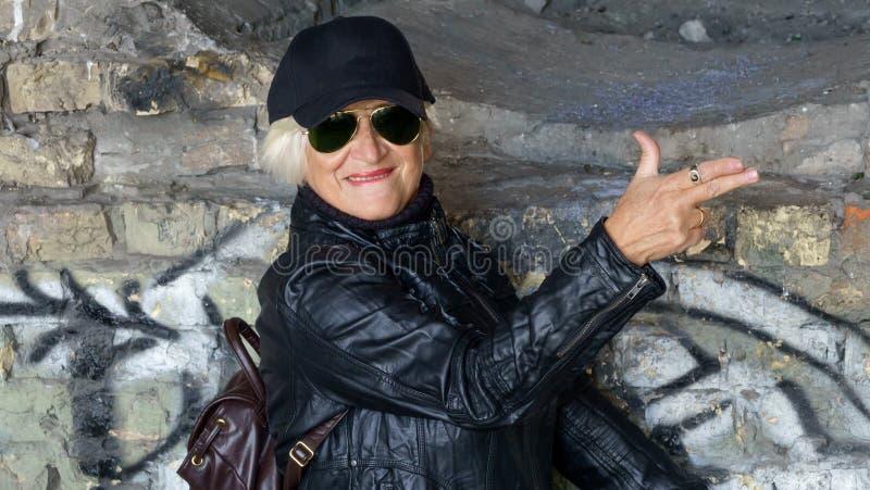 Portret ufna starsza kobieta zdjęcia stock