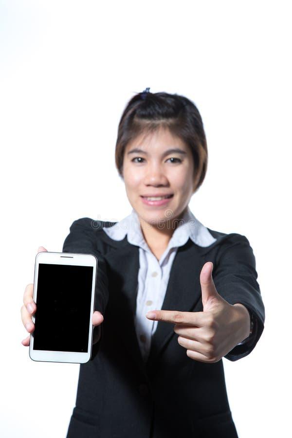 Portret ufny m?drze biznesowej kobiety mienia pastylki komputer zdjęcie stock