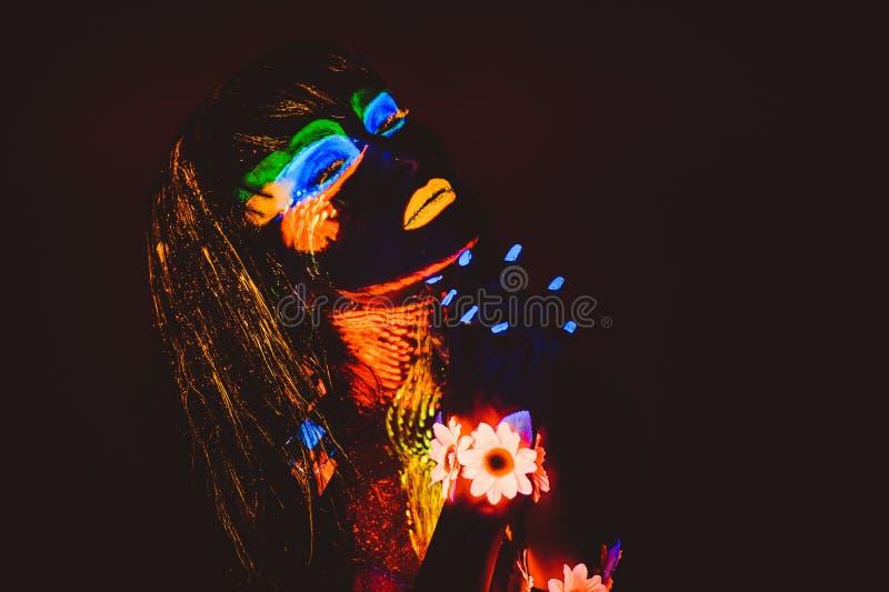 Portret in ultraviolet stock foto's