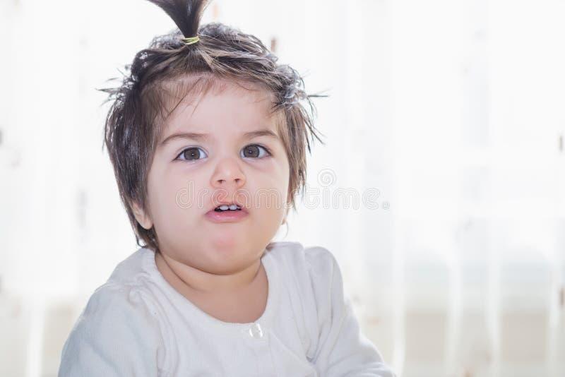 Portret urocza śliczna mała dziewczynka obraz royalty free