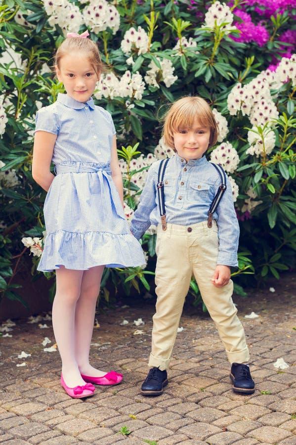 Portret uroczy dzieci, outdoors zdjęcia royalty free