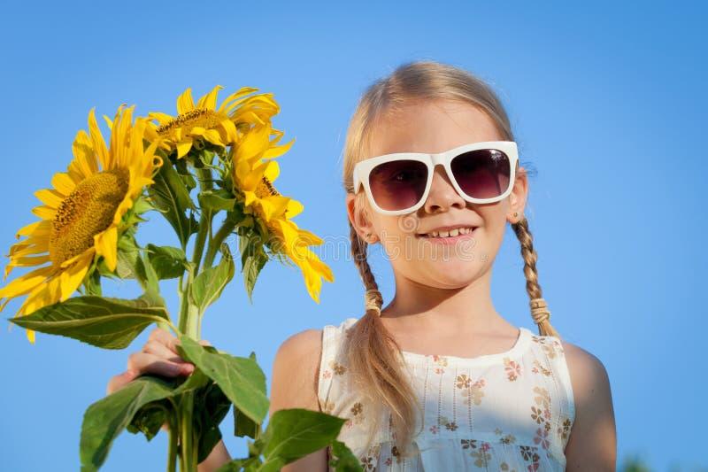 Portret van één mooi meisje royalty-vrije stock afbeeldingen