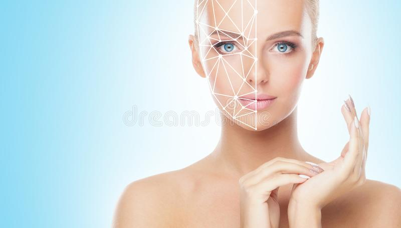 Portret van aantrekkelijke vrouw met een scnanning net op haar gezicht Gezichtsidentiteitskaart, veiligheid, gezichtserkenning, t stock foto's