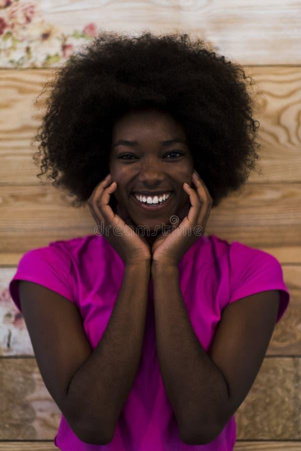 Portret van afro Amerikaanse vrouw royalty-vrije stock foto