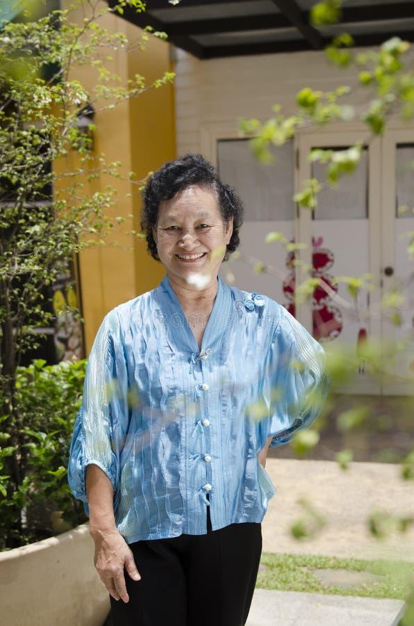 Portret van Aziatische bejaarden stock foto's