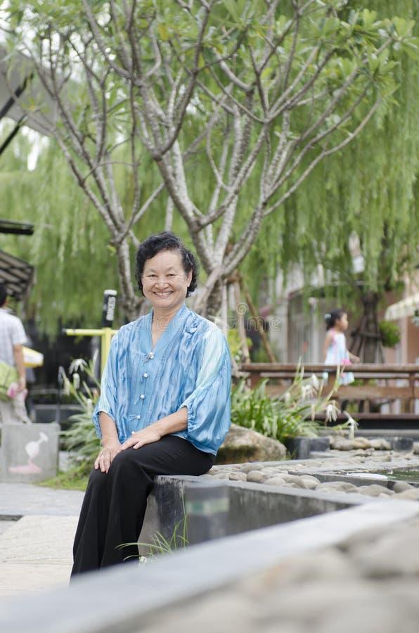 Portret van Aziatische bejaarden royalty-vrije stock foto's