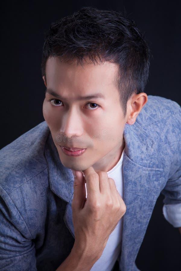 Portret van Aziatische kerel stock afbeeldingen