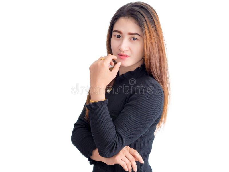 Portret van Aziatische vrouw binnen op een zwarte kleding Geïsoleerdj op witte achtergrond royalty-vrije stock fotografie