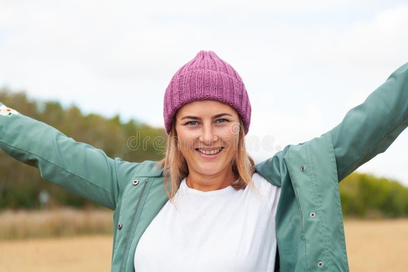 Portret van blije vrouw stock foto