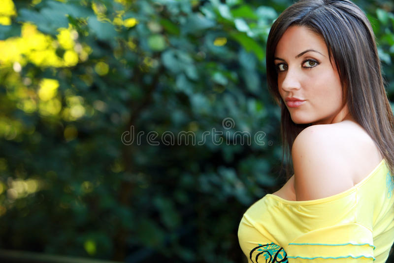 Portret van bruin haired model stock foto