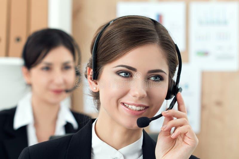 Portret van call centrearbeider stock fotografie