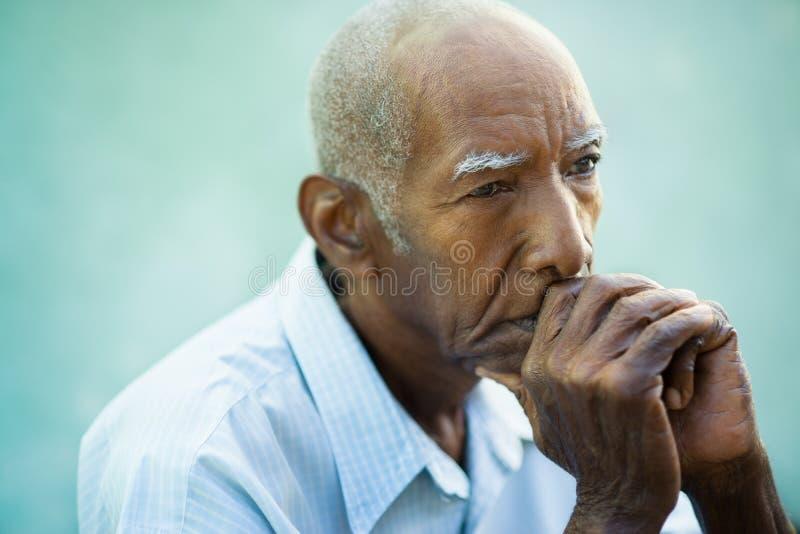 Portret van de droevige kale hogere mens royalty-vrije stock foto's