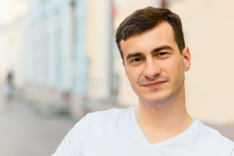 Portret van de jonge mens stock foto's