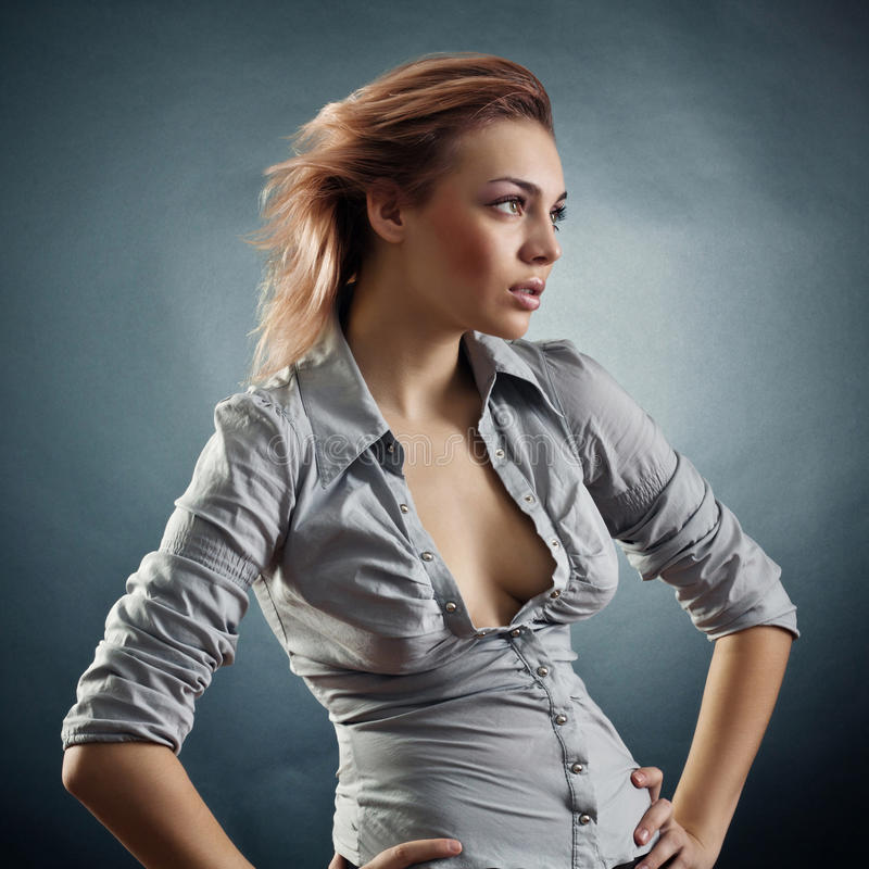 Portret van de jonge vrouw stock afbeeldingen