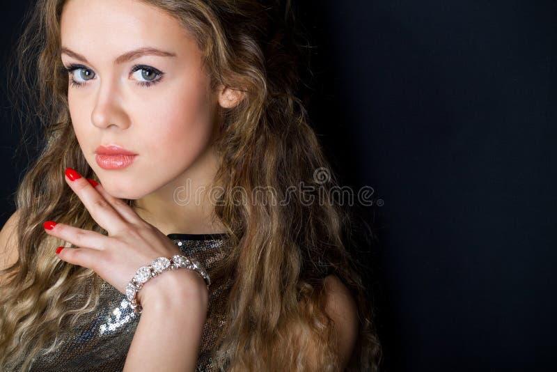 Portret van de jonge vrouw royalty-vrije stock foto