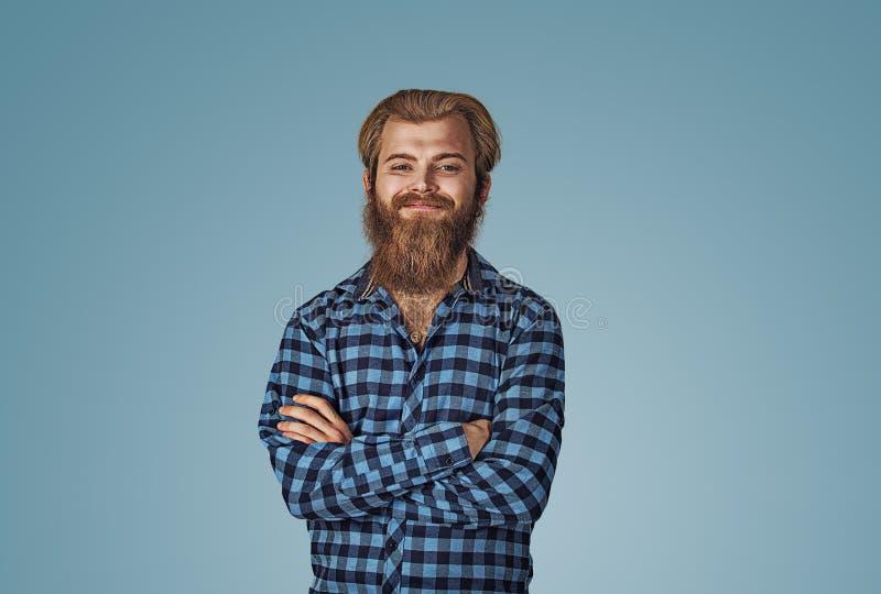 Portret van de jonge zekere glimlachende mens royalty-vrije stock fotografie
