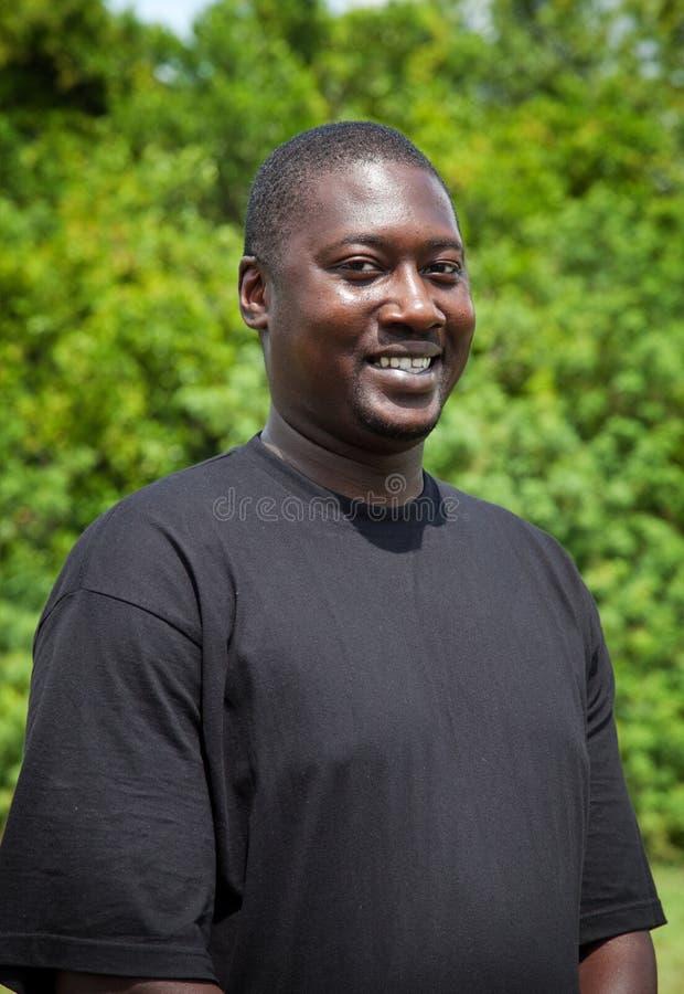 Portret van de Knappe Afrikaanse Mens stock fotografie