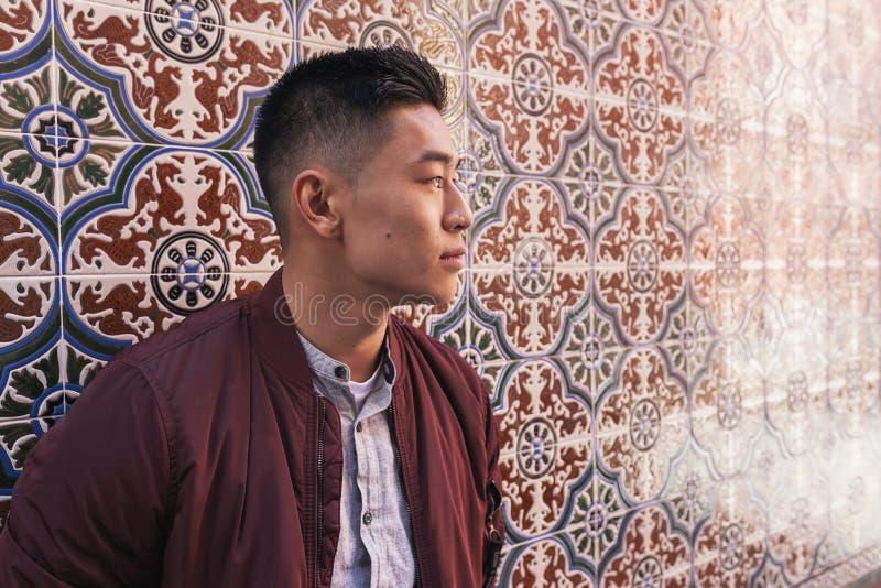 Portret van de knappe Chinese jonge mens royalty-vrije stock fotografie