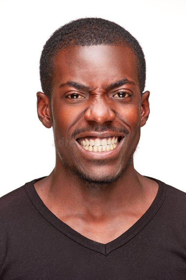 Portret van de knappe jonge zwarte Afrikaanse mens stock afbeeldingen