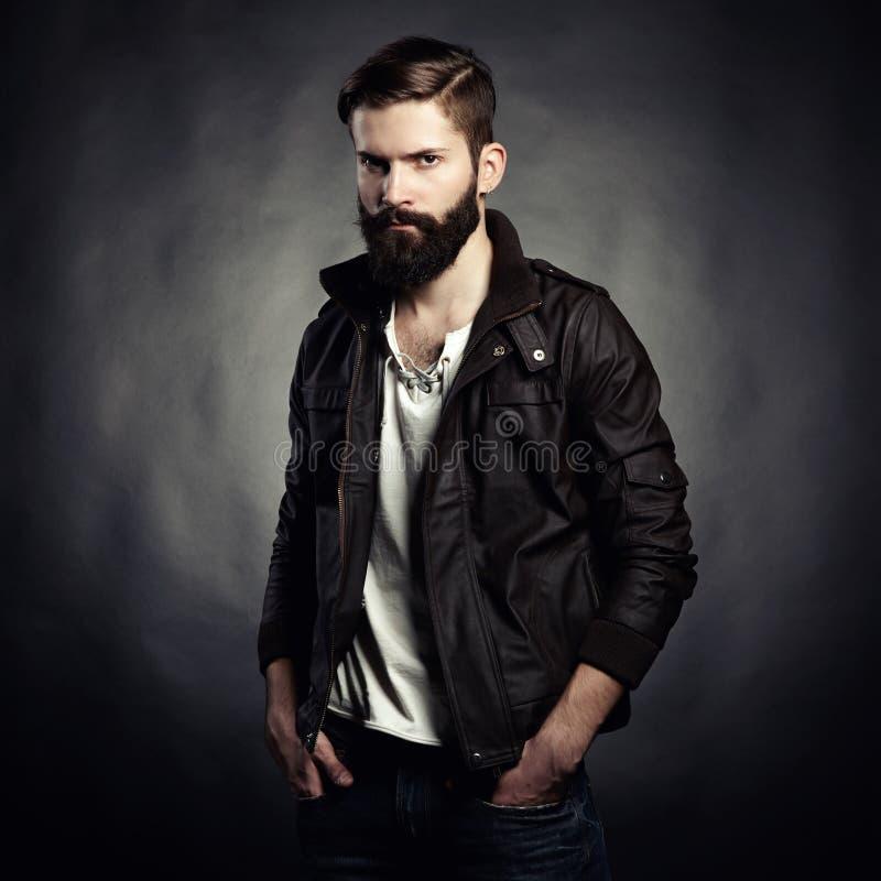 Portret van de knappe mens met baard royalty-vrije stock afbeelding